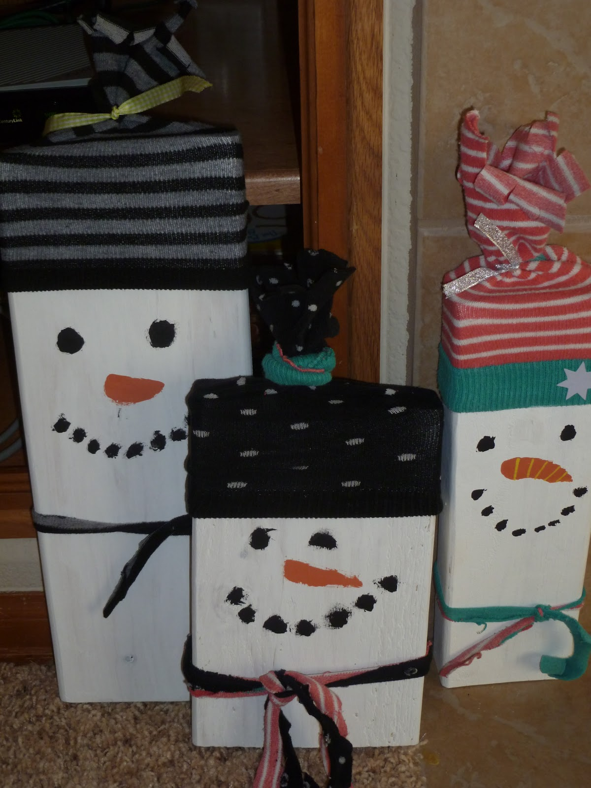 Simple wooden snowman craft dresses n messes